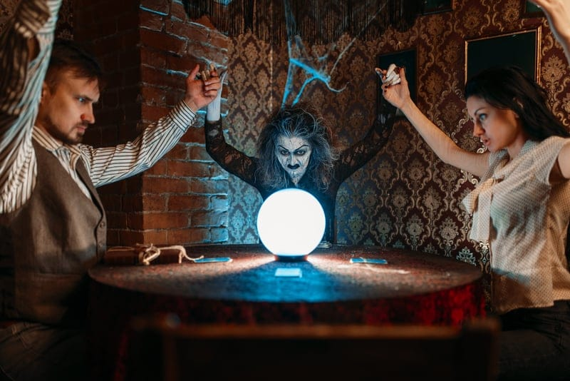 A real seance can connect you with a dead relative or friend
