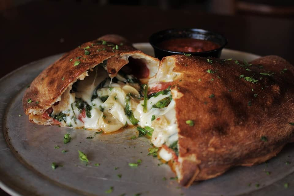 knowing about calzone