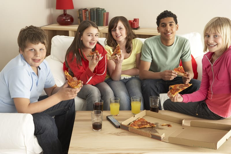 kids want pizza at parties