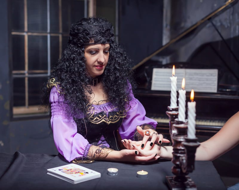 everyone wants a new tarot chat
